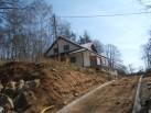 Příjezdová cesta - příprava na zámkovou dlažbu.